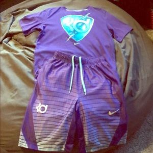 Nike t-shirt/shorts boys outfit